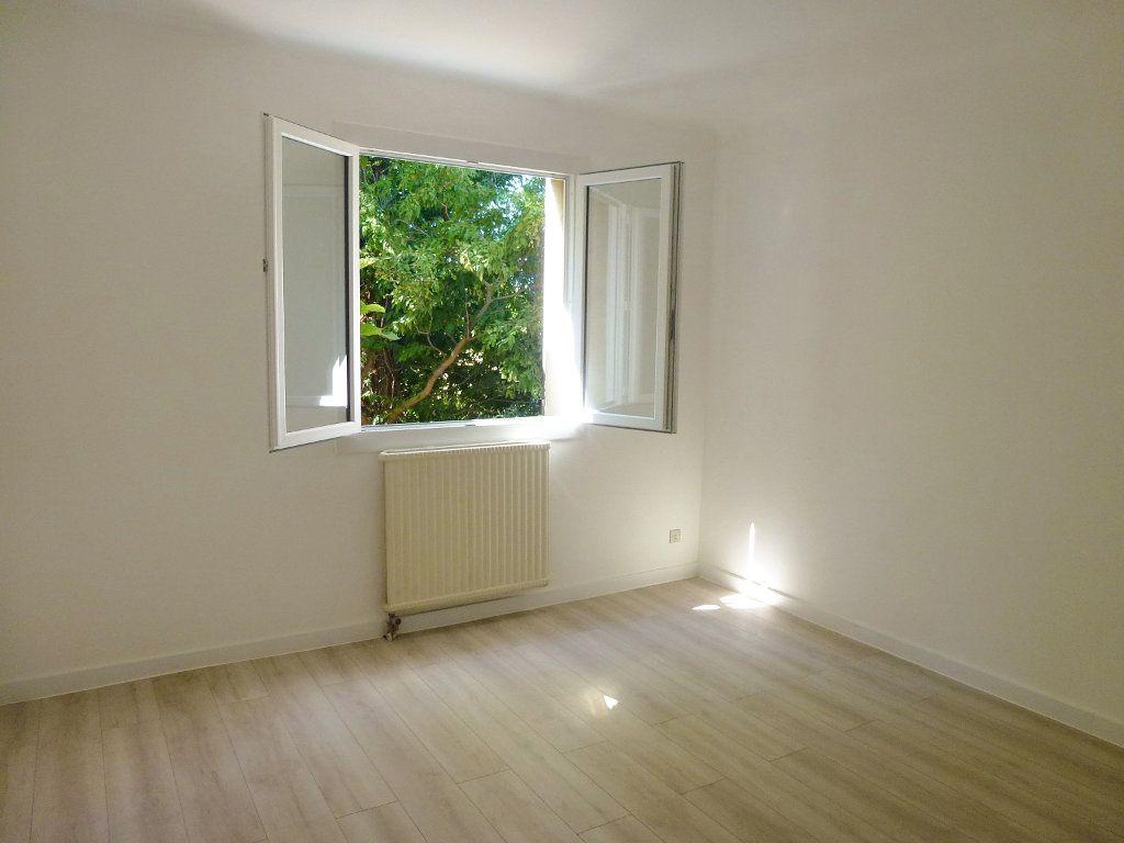 Maison à vendre 7 153.54m2 à Avignon vignette-3