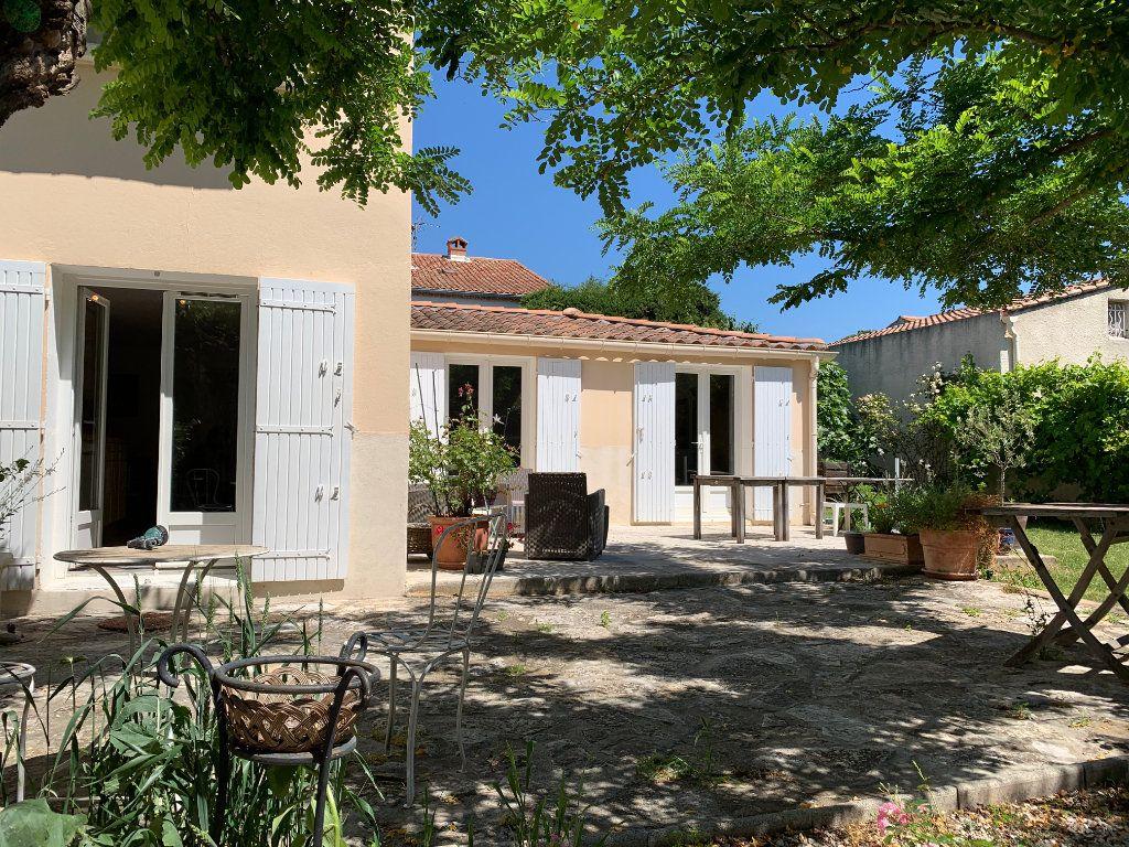 Maison à vendre 7 156m2 à Villeneuve-lès-Avignon vignette-1