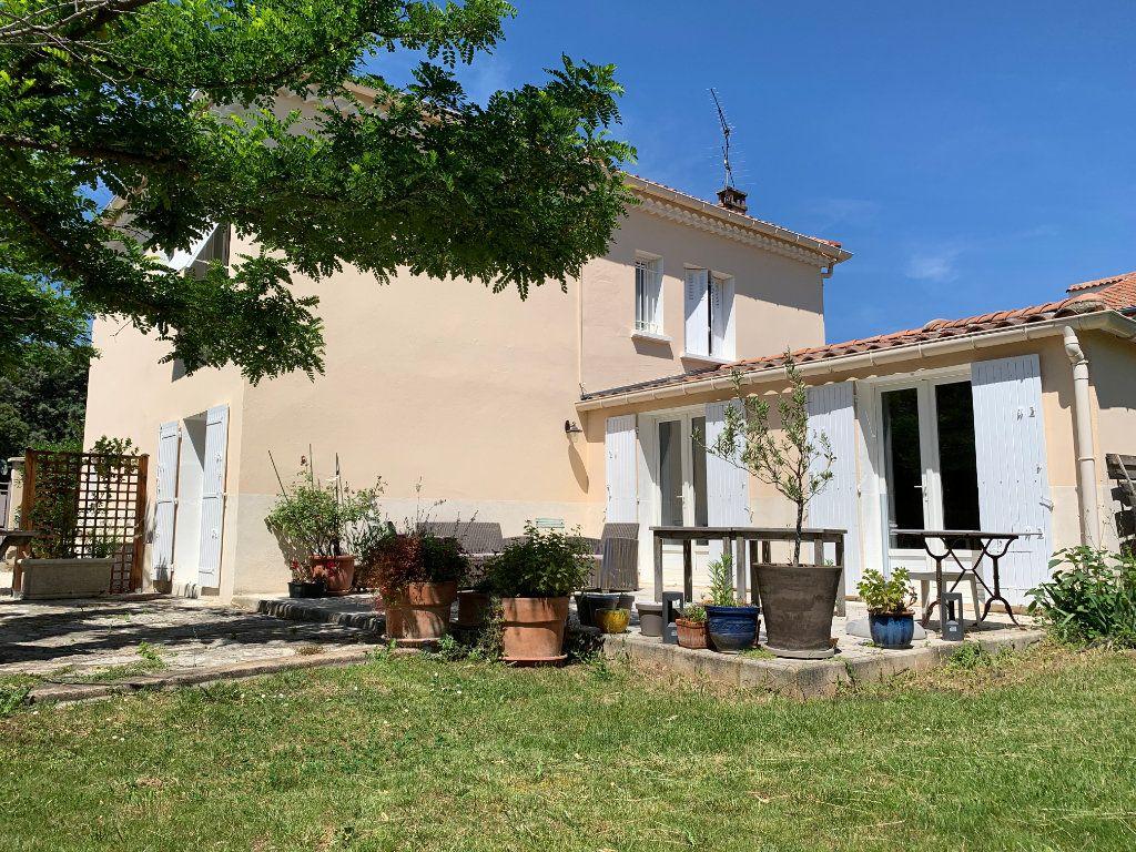 Maison à vendre 7 156m2 à Villeneuve-lès-Avignon vignette-2