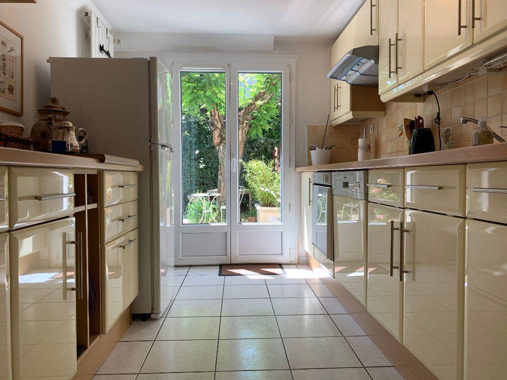 Maison à vendre 7 156m2 à Villeneuve-lès-Avignon vignette-4