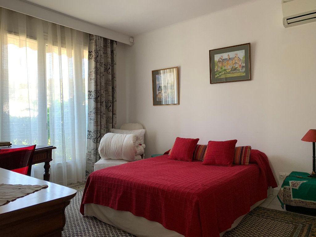 Maison à vendre 7 156m2 à Villeneuve-lès-Avignon vignette-5