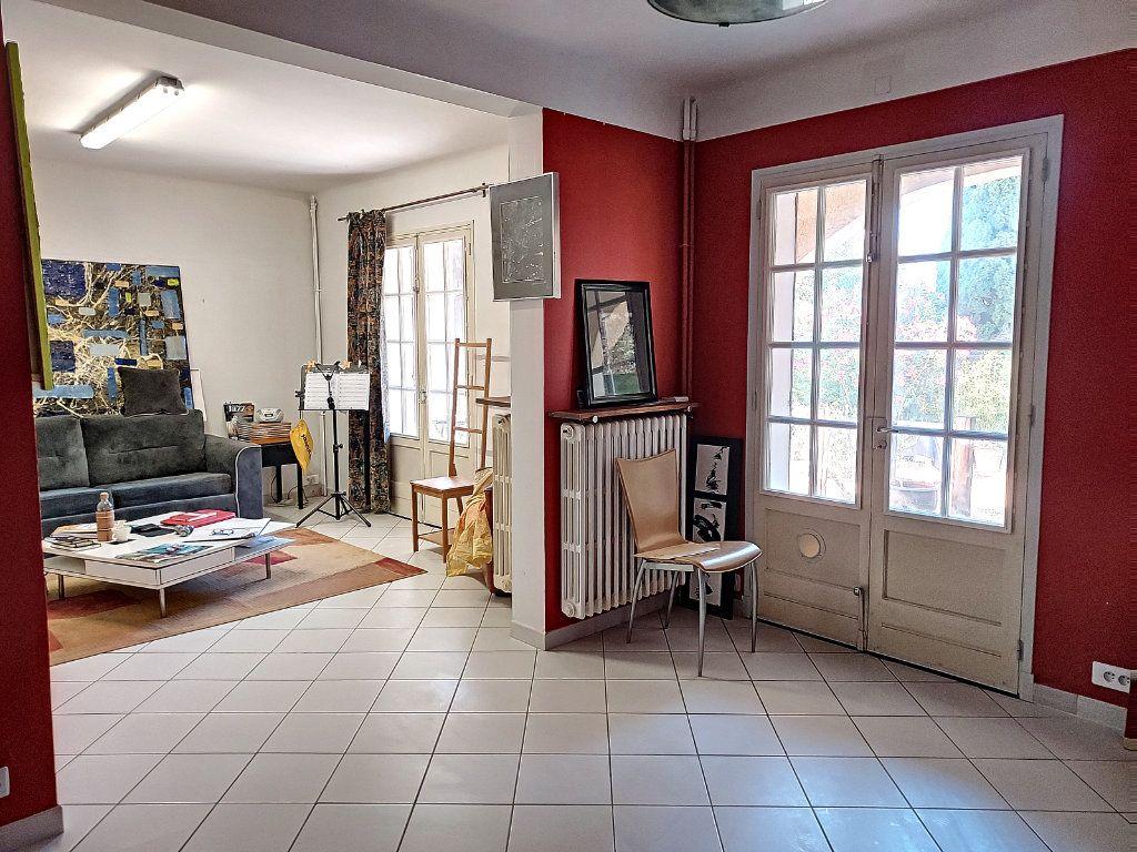 Maison à vendre 7 175m2 à Villeneuve-lès-Avignon vignette-5