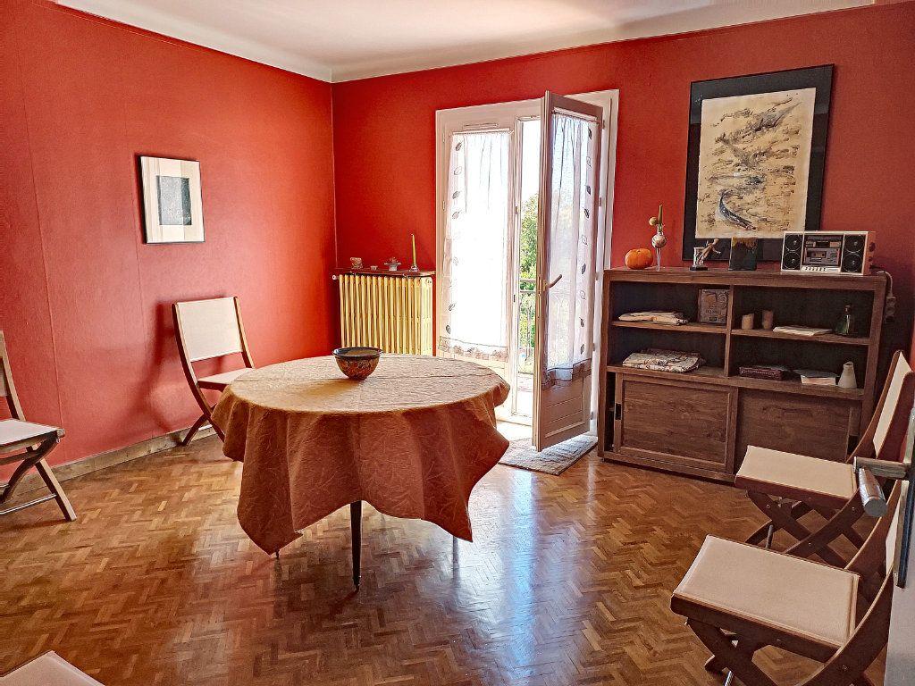 Maison à vendre 7 175m2 à Villeneuve-lès-Avignon vignette-6