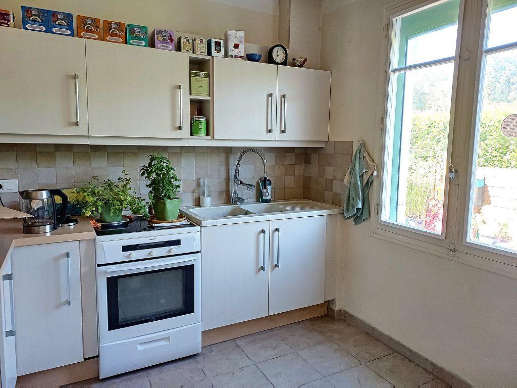 Maison à vendre 7 175m2 à Villeneuve-lès-Avignon vignette-7