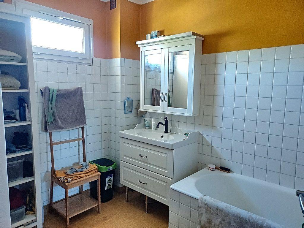 Maison à vendre 7 175m2 à Villeneuve-lès-Avignon vignette-8