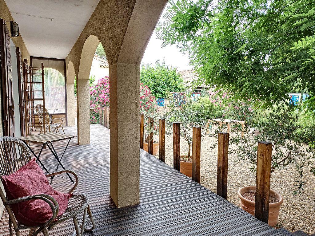 Maison à vendre 7 175m2 à Villeneuve-lès-Avignon vignette-9