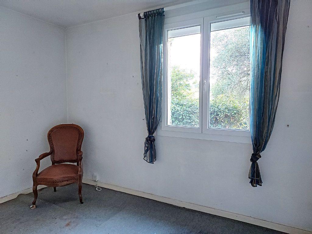 Maison à vendre 4 84.4m2 à Villeneuve-lès-Avignon vignette-5