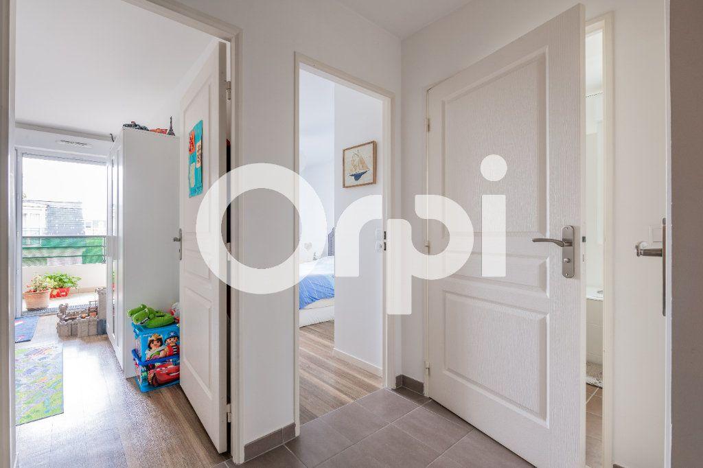 Appartement à vendre 4 85m2 à Noisy-le-Grand vignette-9