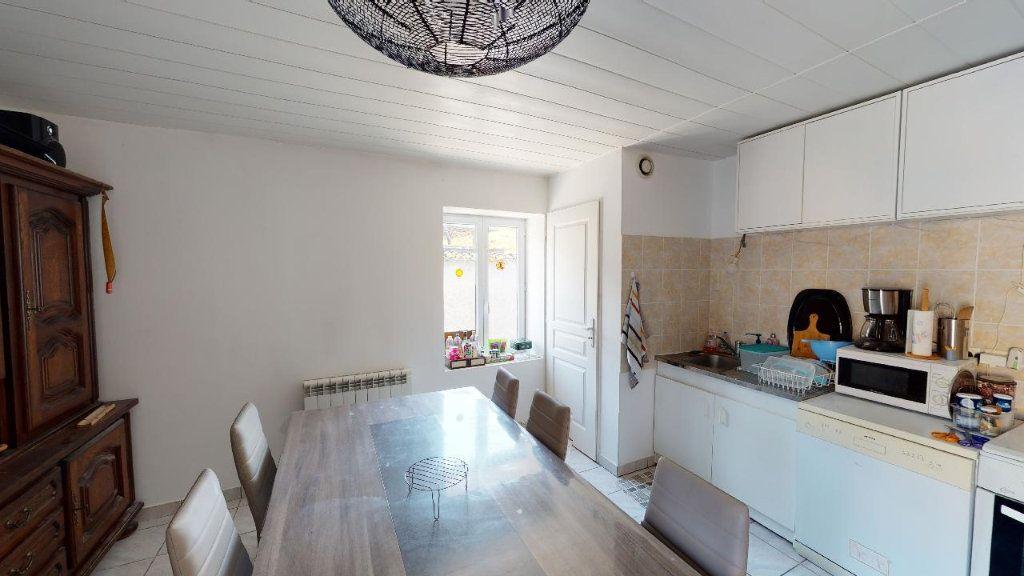 Appartement à vendre 4 68m2 à Vasselin vignette-3