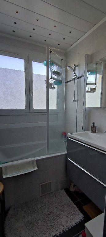 Appartement à vendre 3 70.36m2 à Nantes vignette-3