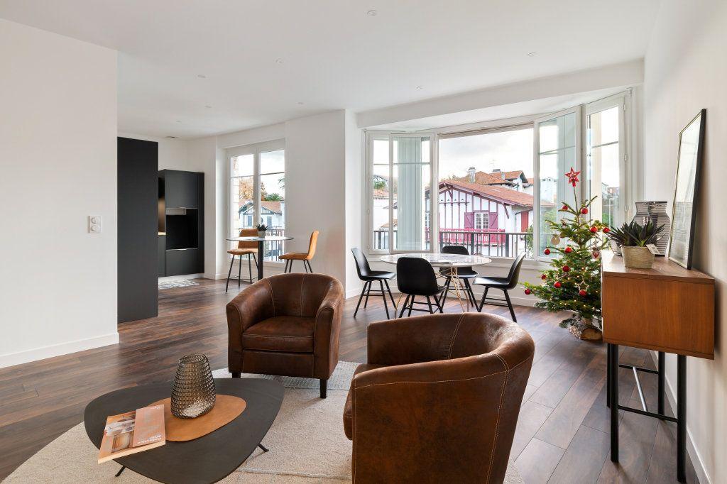 Appartement à vendre 4 100m2 à Bayonne vignette-1