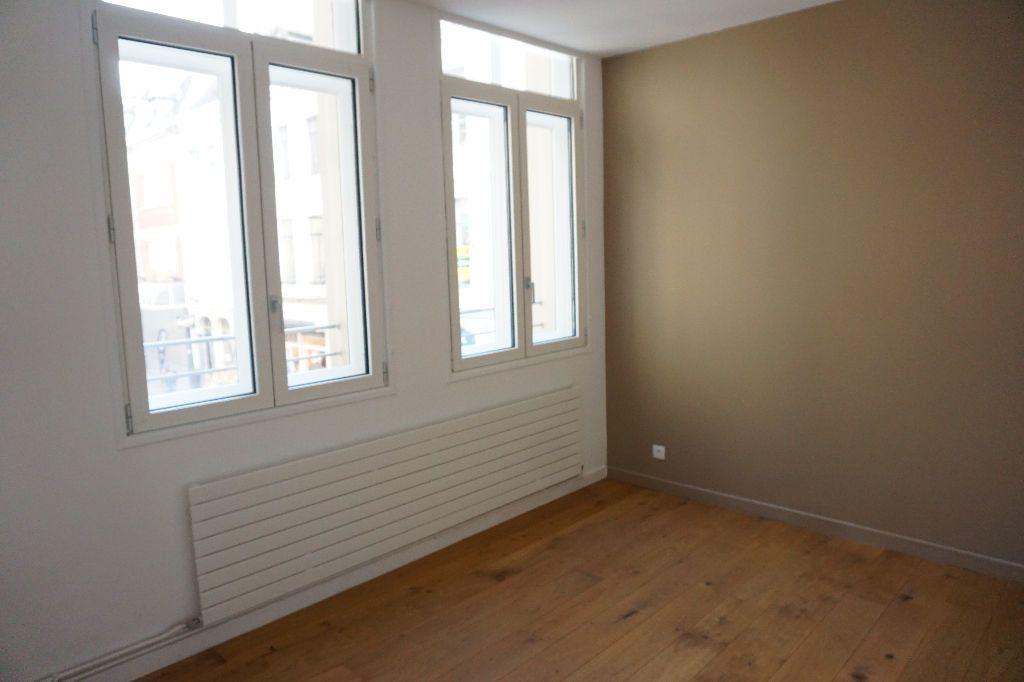 Appartement à louer 4 123m2 à Arras vignette-7