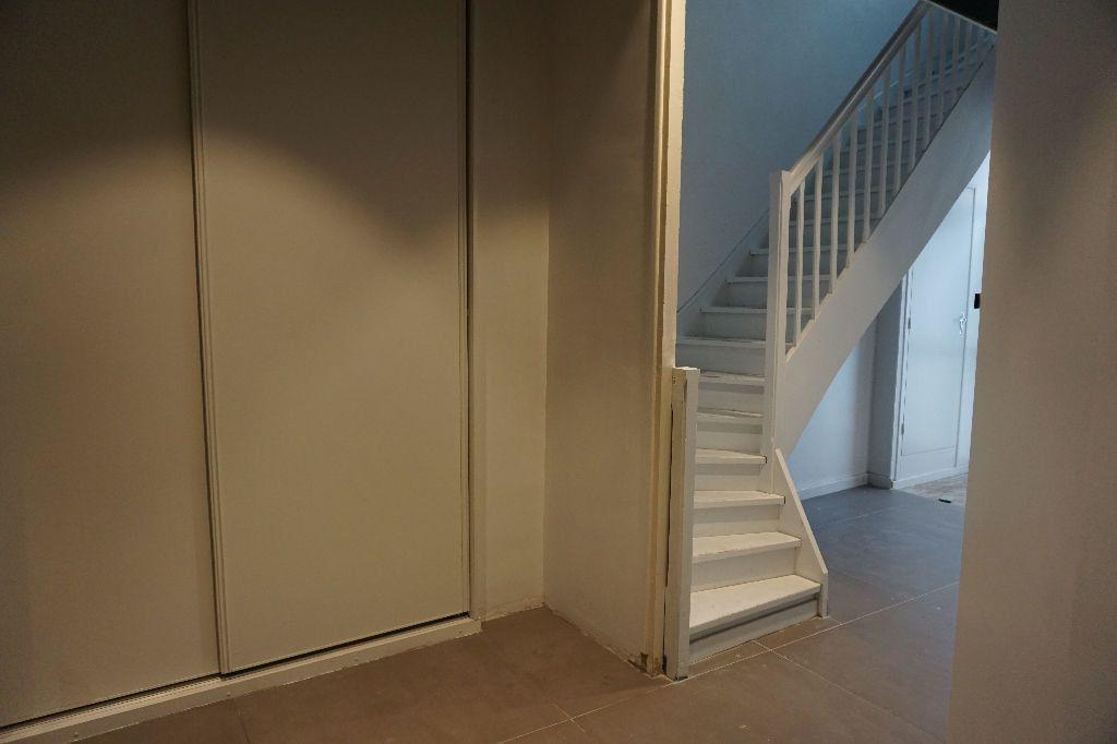 Appartement à louer 4 123m2 à Arras vignette-14