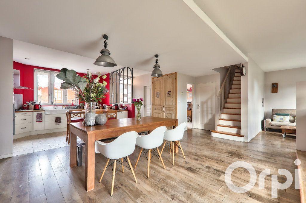 Maison à vendre 5 166m2 à Villeurbanne vignette-1