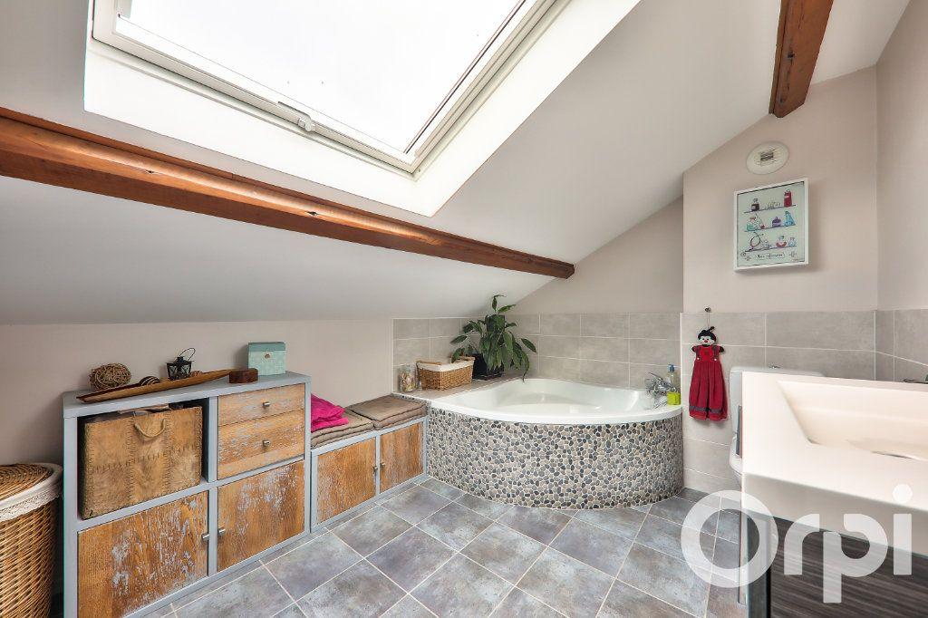 Maison à vendre 5 166m2 à Villeurbanne vignette-8