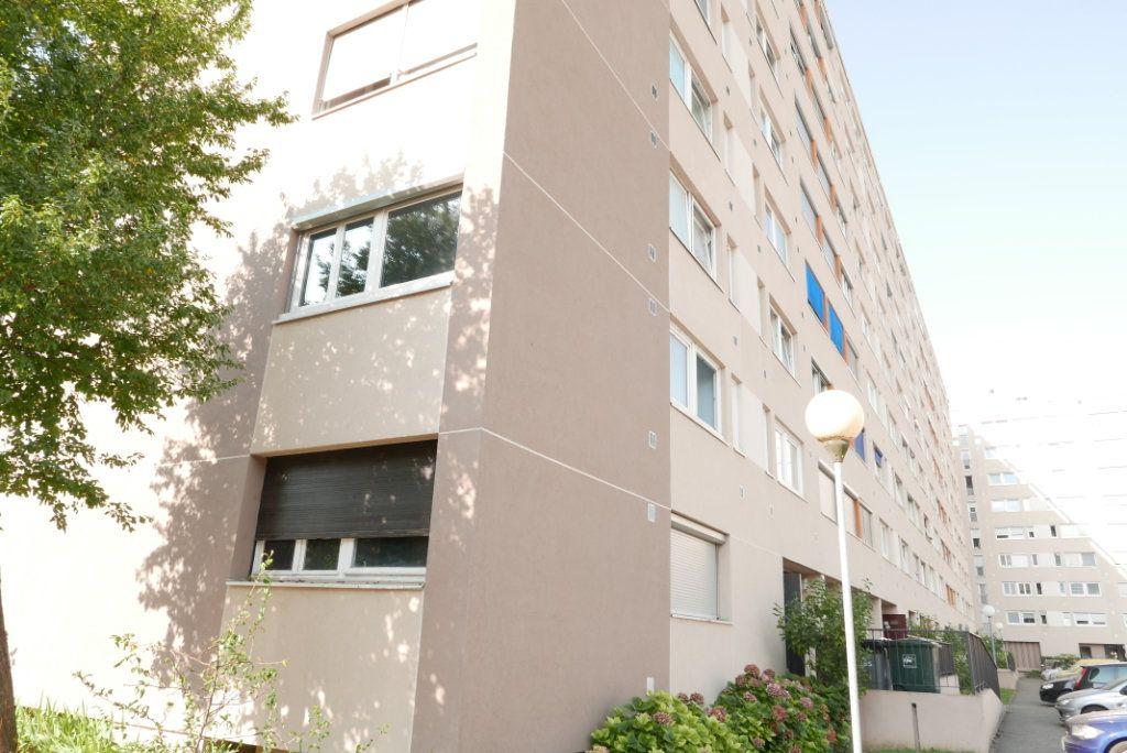 Appartement à vendre 3 54.89m2 à Villeurbanne vignette-3