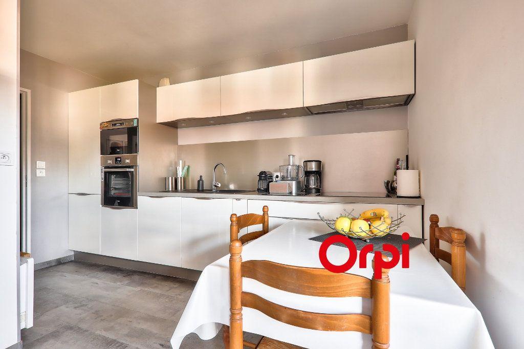 Appartement à vendre 4 91m2 à Villeurbanne vignette-3