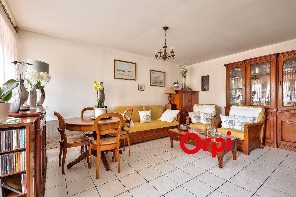 Appartement à vendre 4 91m2 à Villeurbanne vignette-5