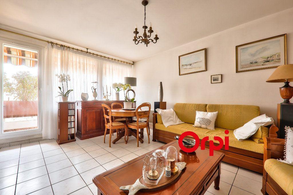 Appartement à vendre 4 91m2 à Villeurbanne vignette-6