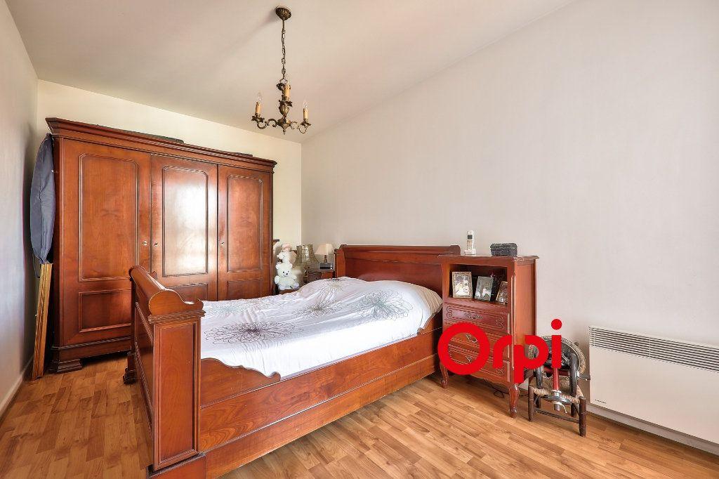 Appartement à vendre 4 91m2 à Villeurbanne vignette-8