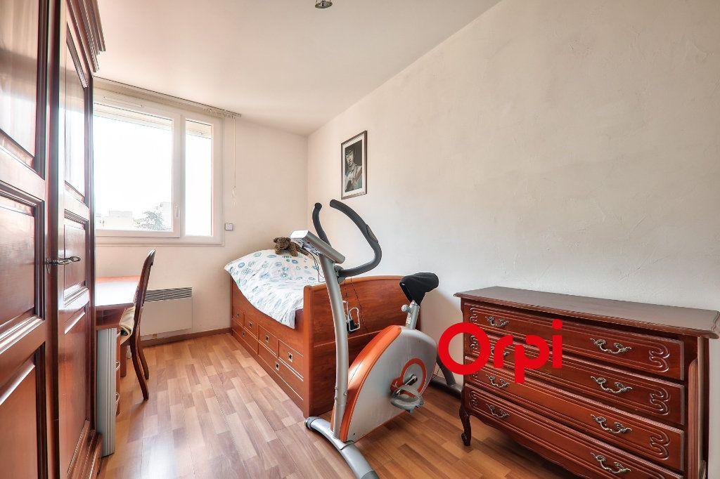 Appartement à vendre 4 91m2 à Villeurbanne vignette-10