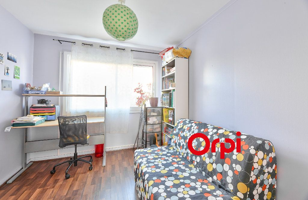 Appartement à vendre 3 70.56m2 à Villeurbanne vignette-7