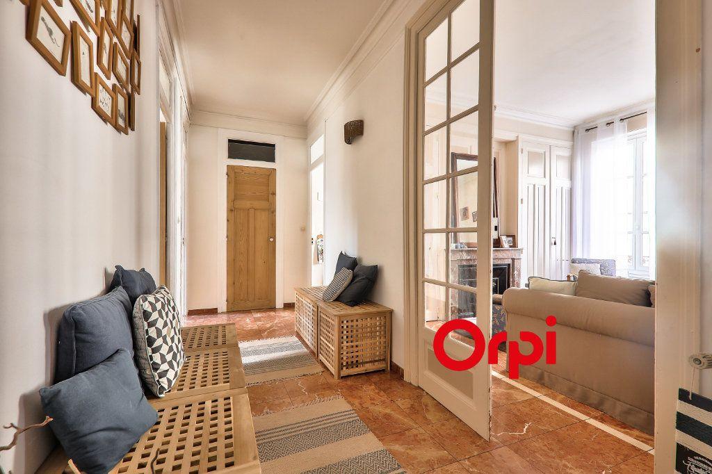 Appartement à vendre 4 118.99m2 à Villeurbanne vignette-1