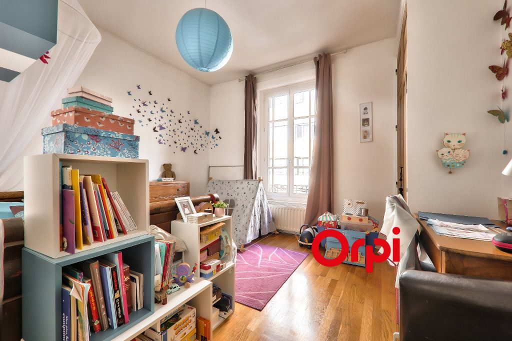 Appartement à vendre 4 118.99m2 à Villeurbanne vignette-13