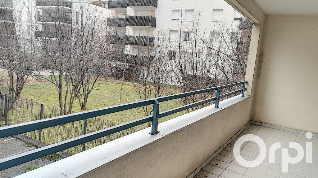 Appartement à vendre 3 75.22m2 à Villeurbanne vignette-11