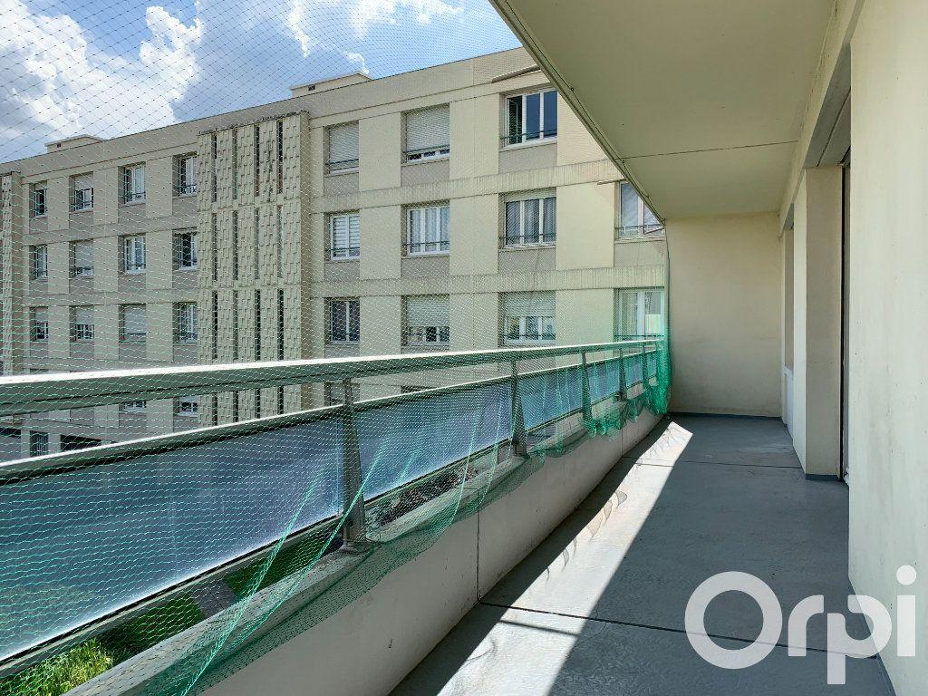 Appartement à vendre 4 96.79m2 à Villeurbanne vignette-1