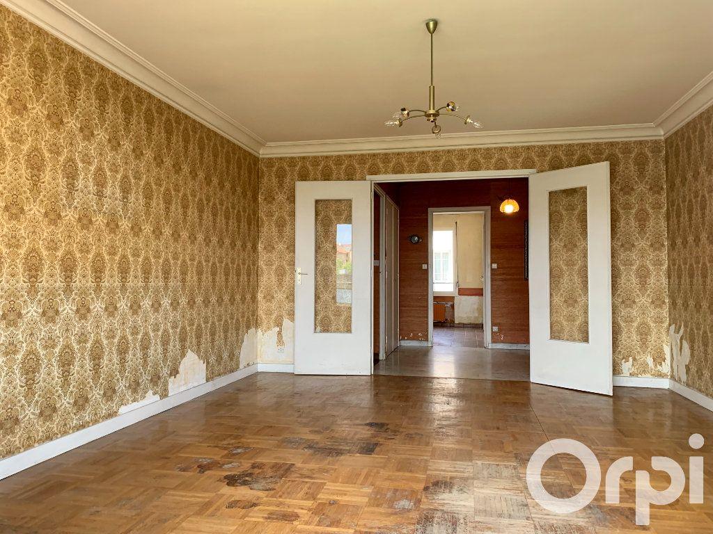 Appartement à vendre 4 96.79m2 à Villeurbanne vignette-2