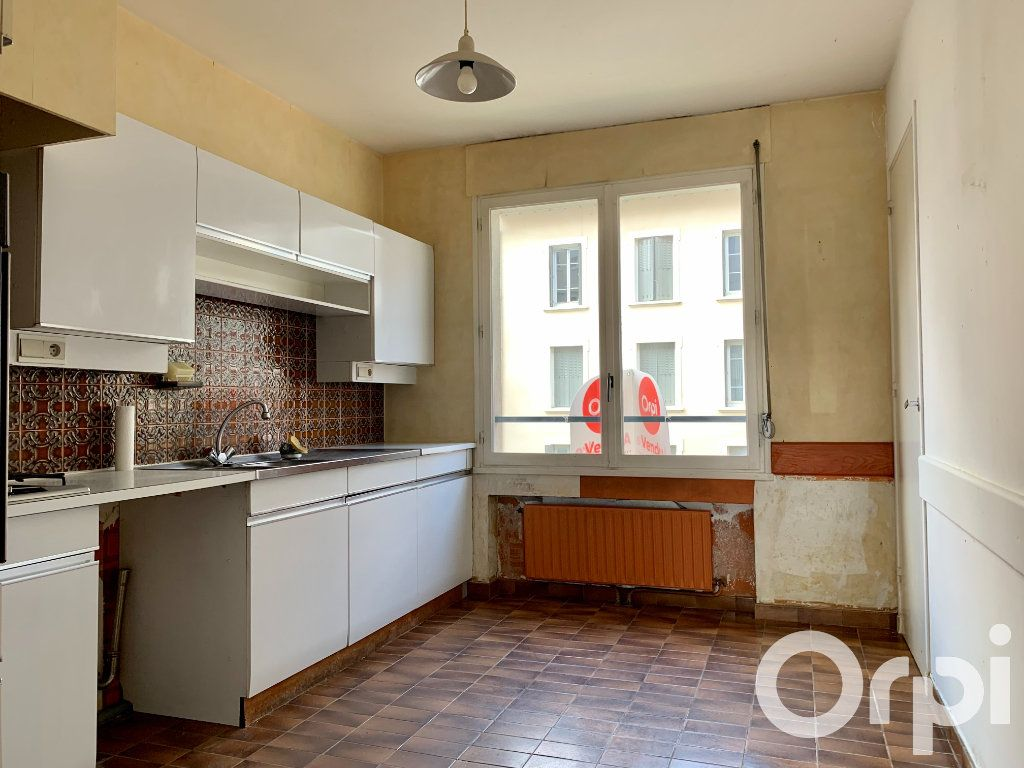 Appartement à vendre 4 96.79m2 à Villeurbanne vignette-3