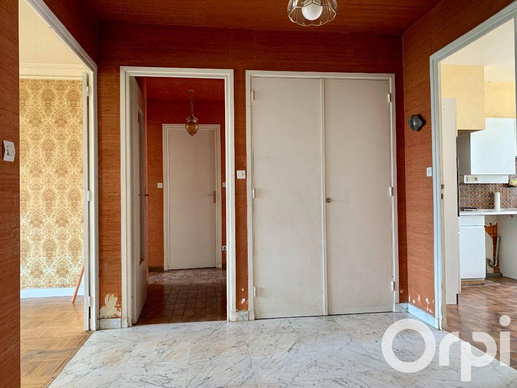 Appartement à vendre 4 96.79m2 à Villeurbanne vignette-4