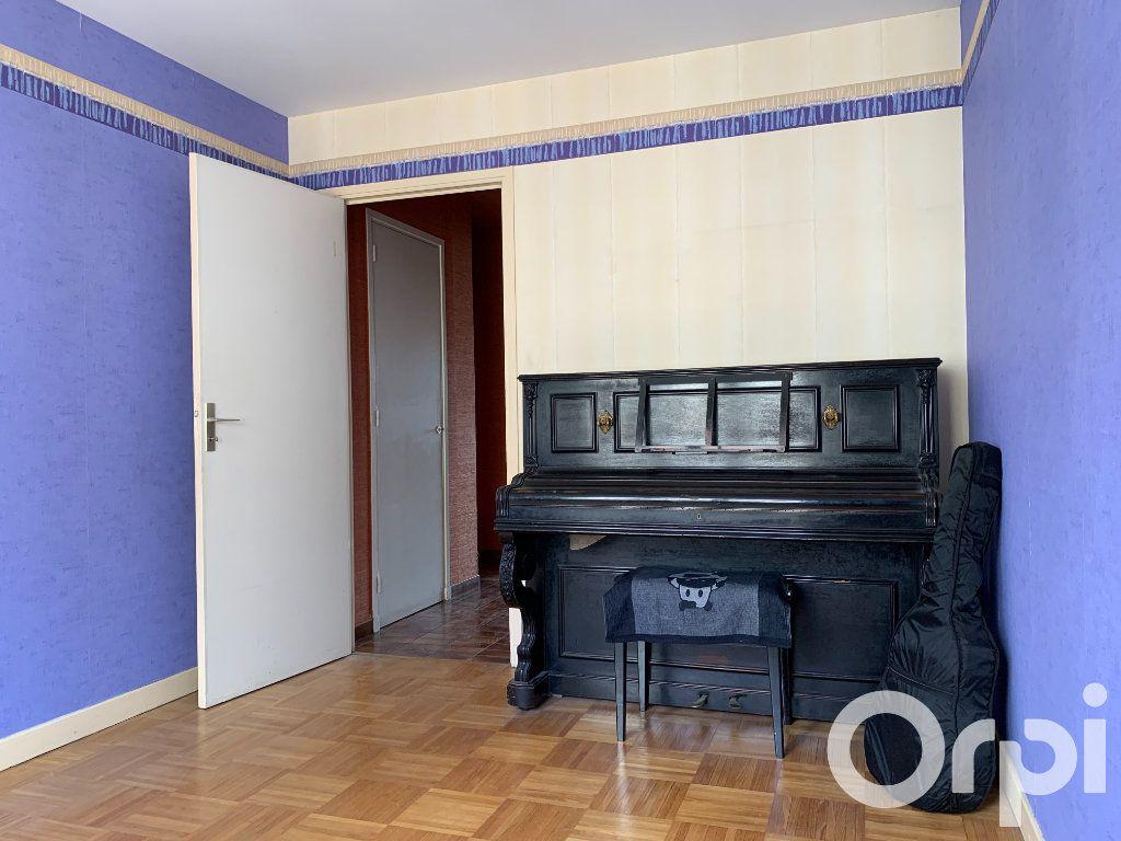 Appartement à vendre 4 96.79m2 à Villeurbanne vignette-5