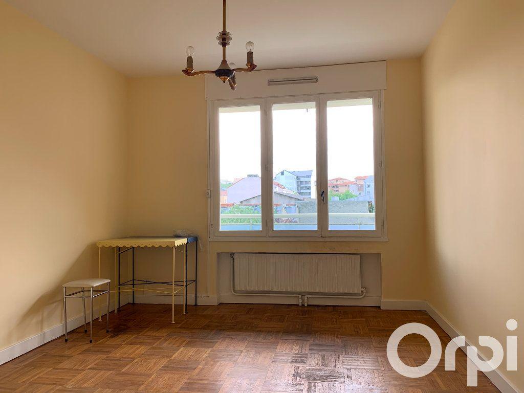 Appartement à vendre 4 96.79m2 à Villeurbanne vignette-6