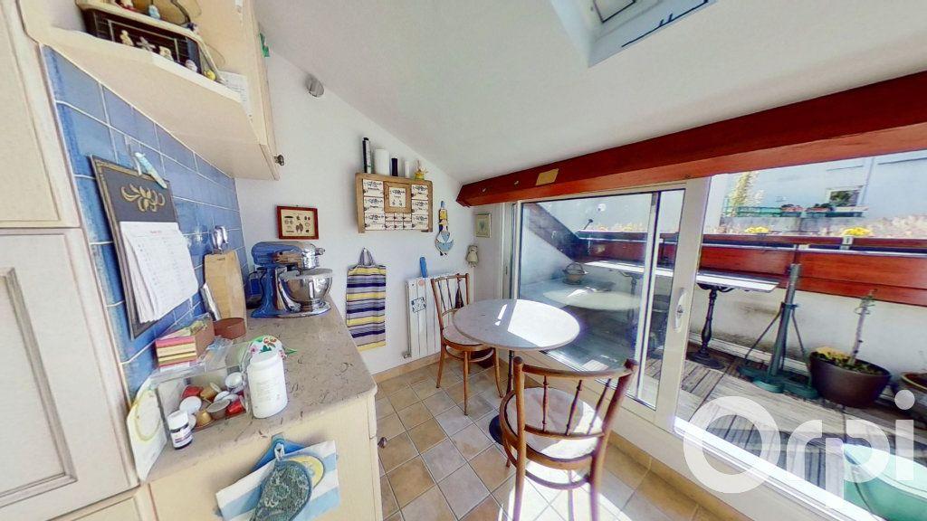 Appartement à vendre 4 93.7m2 à Lyon 3 vignette-4
