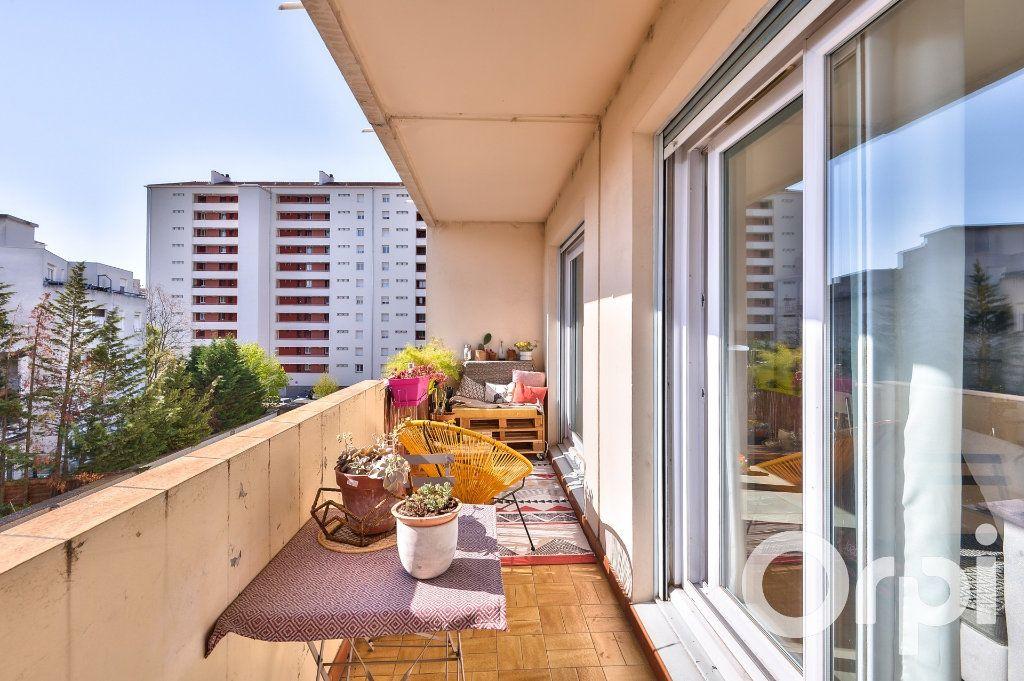 Appartement à vendre 4 90.02m2 à Villeurbanne vignette-4