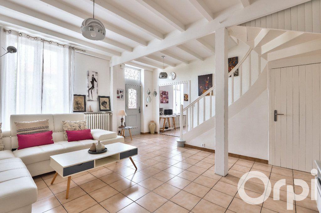Appartement à vendre 5 157.88m2 à Villeurbanne vignette-1