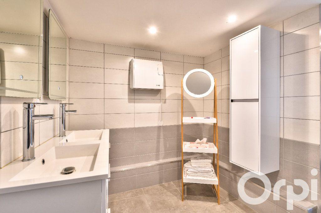 Appartement à vendre 5 157.88m2 à Villeurbanne vignette-5