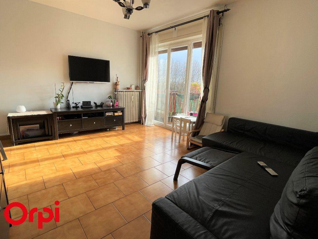 Appartement à vendre 3 67.38m2 à Saint-Denis vignette-2