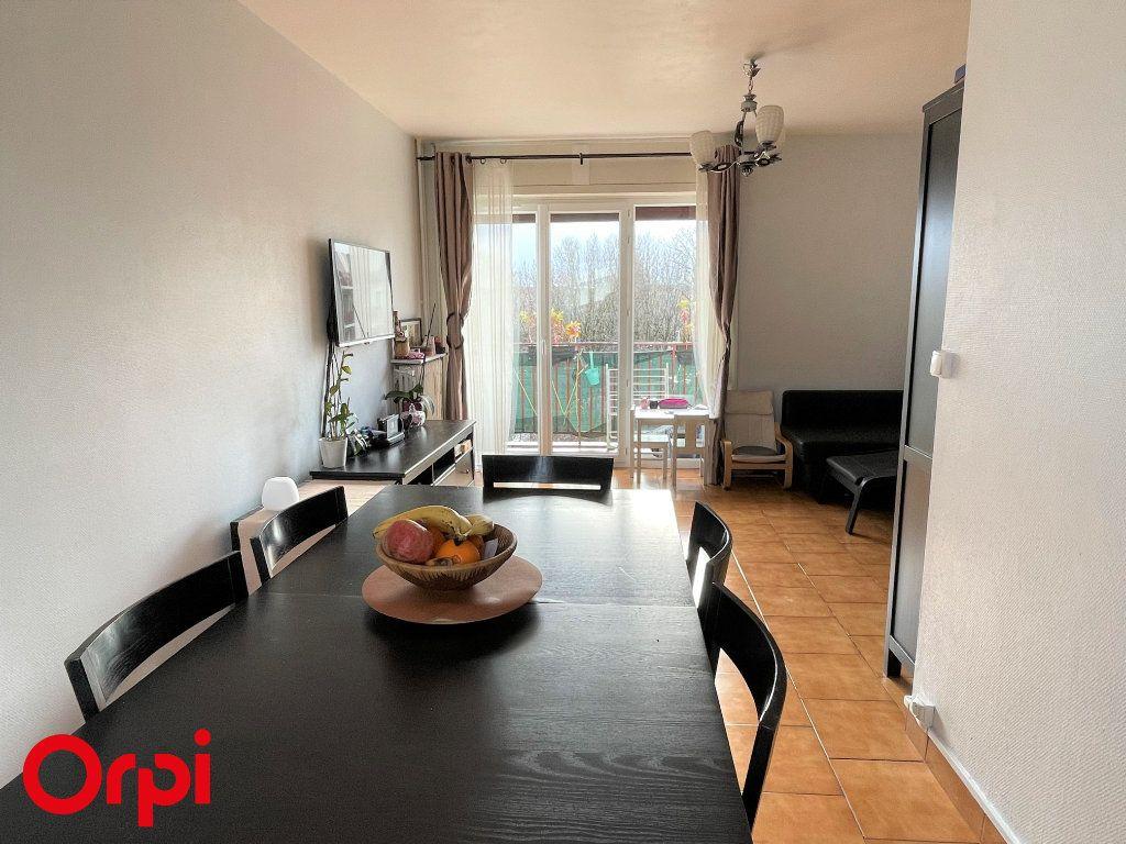 Appartement à vendre 3 67.38m2 à Saint-Denis vignette-3