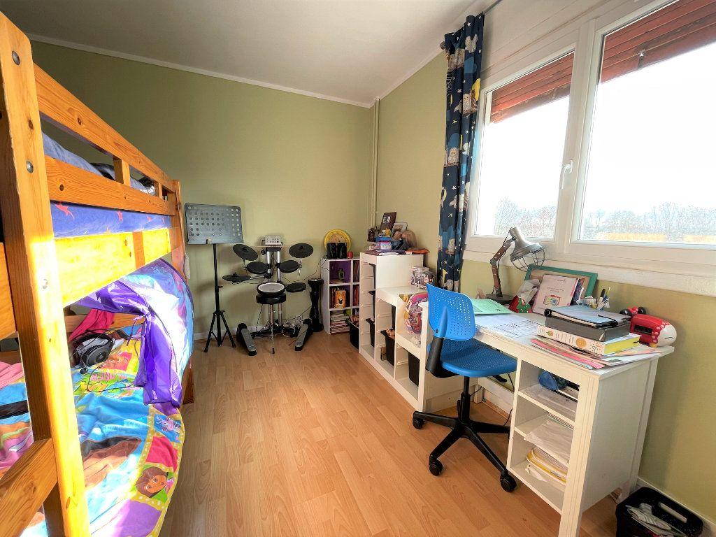 Appartement à vendre 3 67.38m2 à Saint-Denis vignette-5