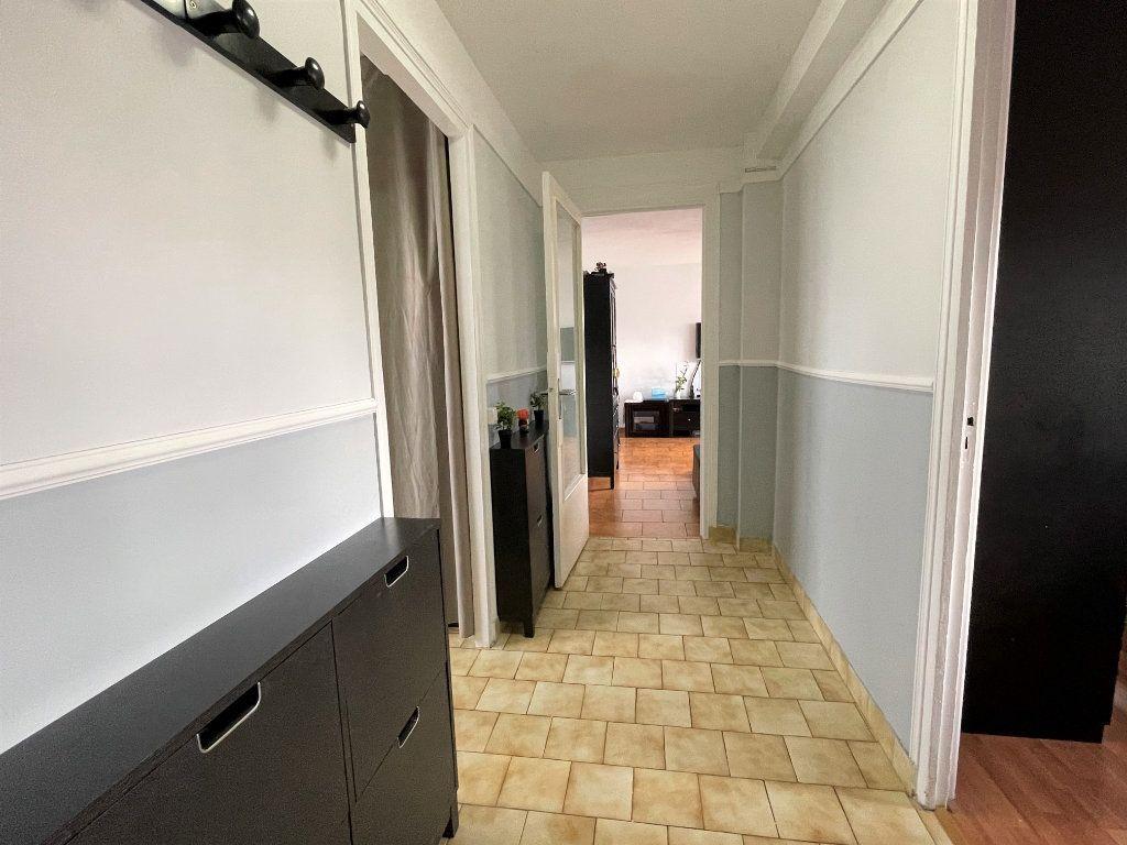 Appartement à vendre 3 67.38m2 à Saint-Denis vignette-7