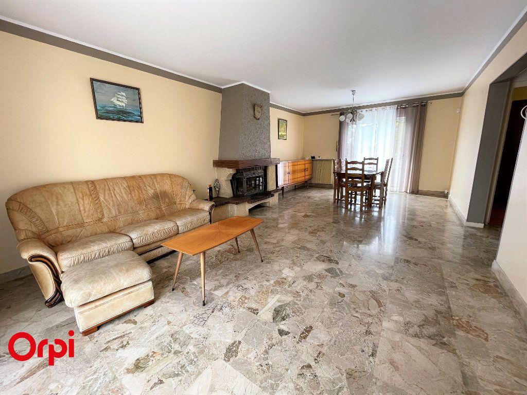 Maison à vendre 6 148m2 à Fosses vignette-4