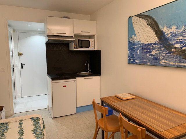 Appartement à louer 1 13.77m2 à Garches vignette-1