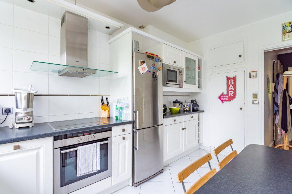 Appartement à louer 4 92.66m2 à Vaucresson vignette-2