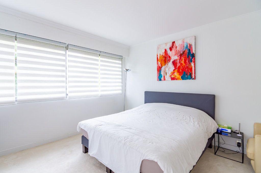 Appartement à louer 4 92.66m2 à Vaucresson vignette-3