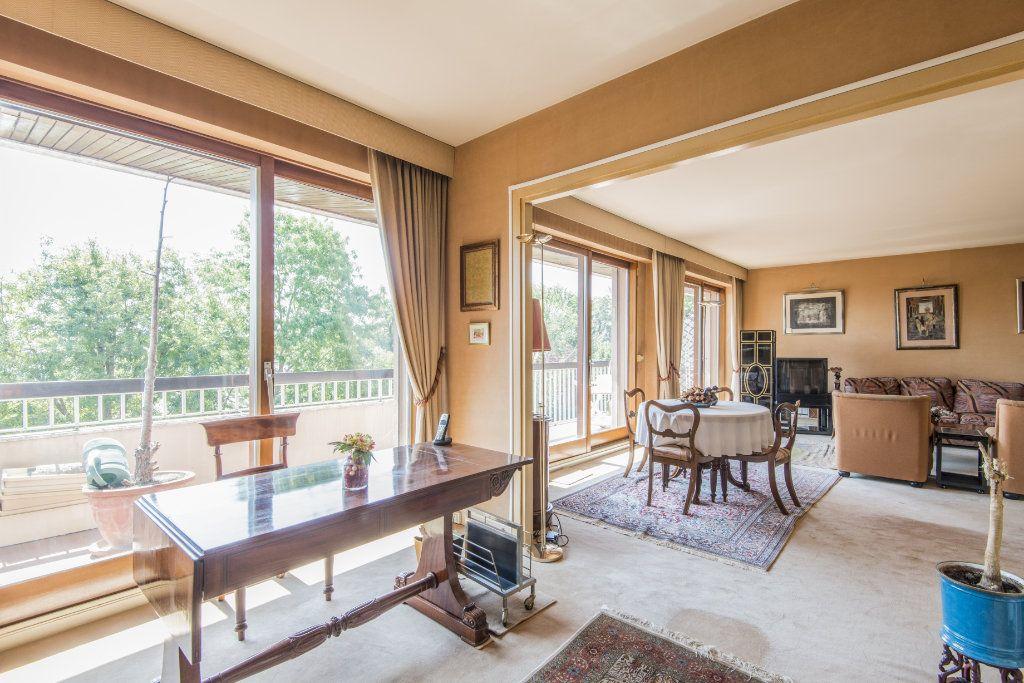 Appartement à vendre 4 93m2 à Garches vignette-1