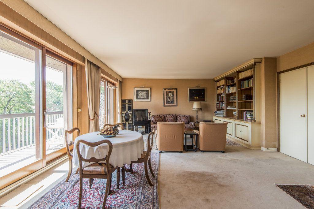 Appartement à vendre 4 93m2 à Garches vignette-3