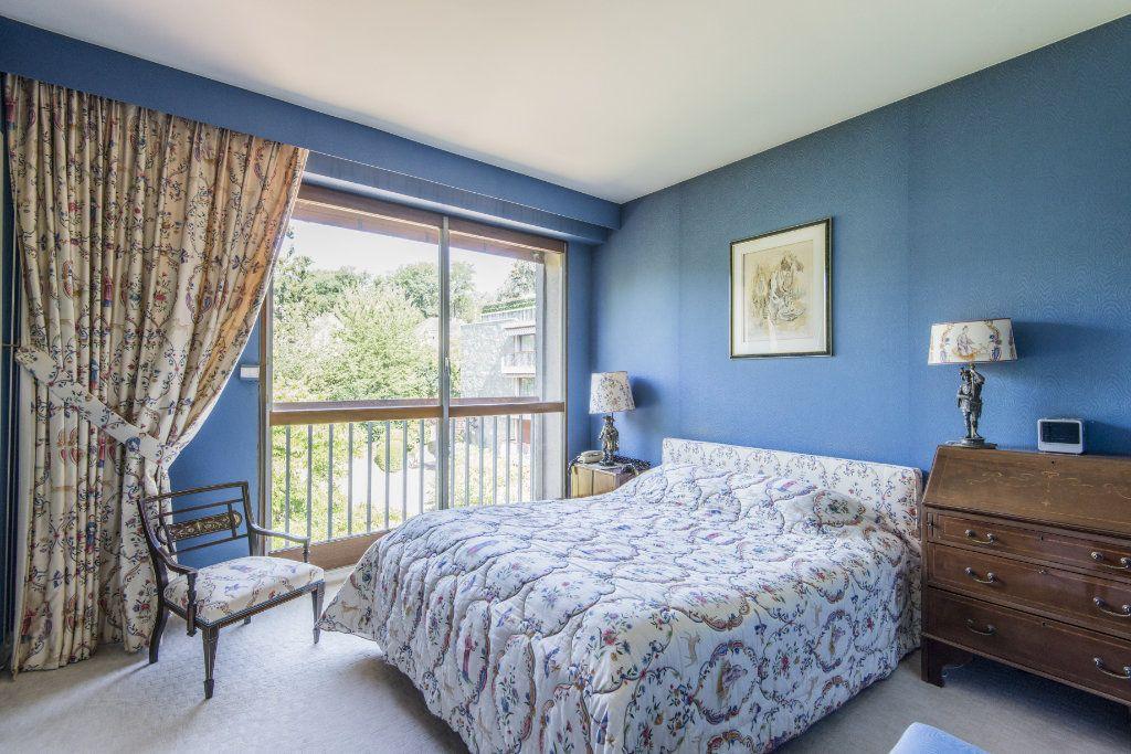 Appartement à vendre 4 93m2 à Garches vignette-4